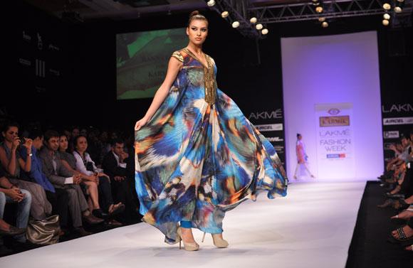A model showing designer Ranna Gill creation.