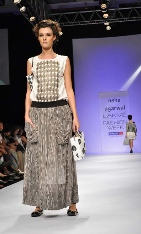 Evelin Besters in a Neha Agarwal creation