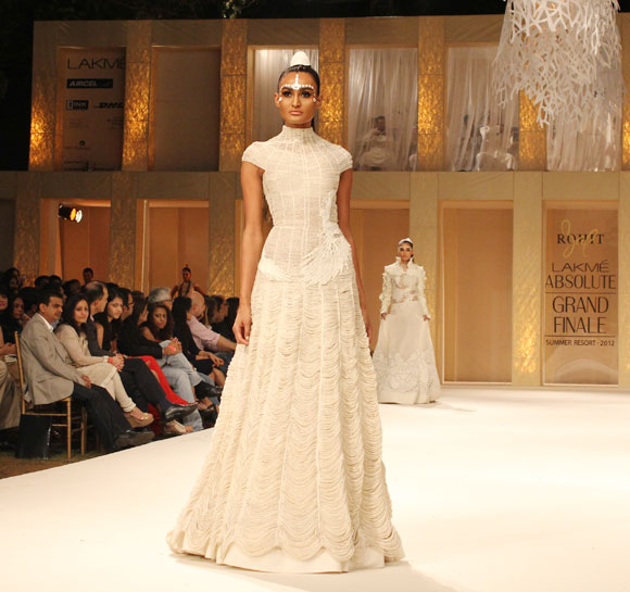 Rachel Bayros presents a Rohit Bal creation