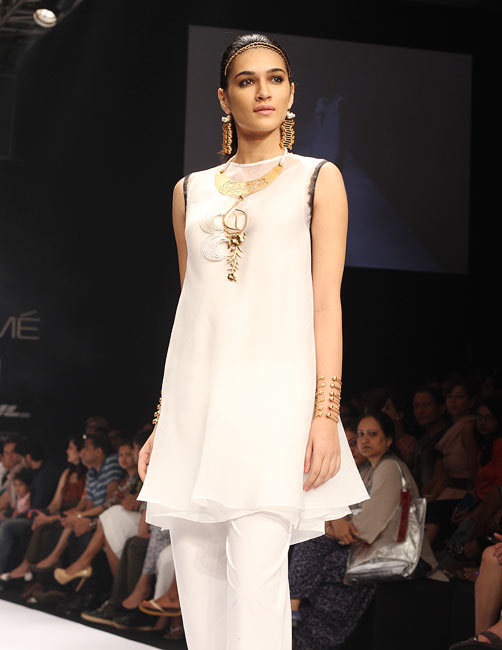 Pittie's latest collection at Lakme Fashion Week Summer-Resort 2012
