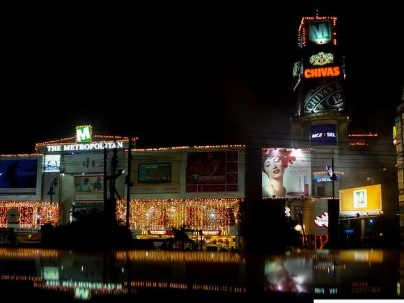 MGF is one of the more prominent malls along MG Road in Gurgaon. Behind the glitz however in Gurgaon lies a dark underbelly