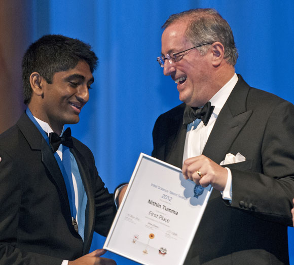 Nikhil is felicitated by Paul Otellini, Intel president