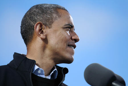 US President Barack Obama is pictured at an election campaign rally in Concord, New Hampshire, November 4, 2012.