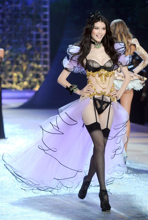 Sui He for Victoria's Secret
