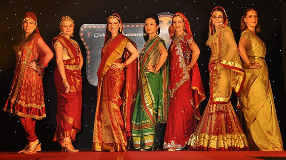 (L-R) Charlotte, Franziska, Olivia, Nemu, Julie, Dominique and Edurne at the Beautiful India Expatriate Photo Competition 2012