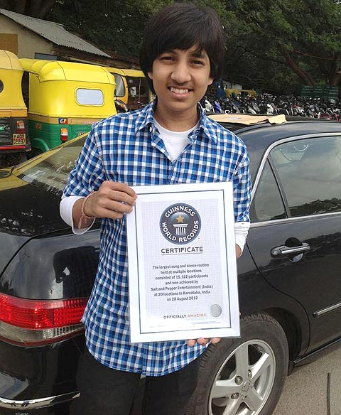 Kishan shows off his Guiness World Records certificate