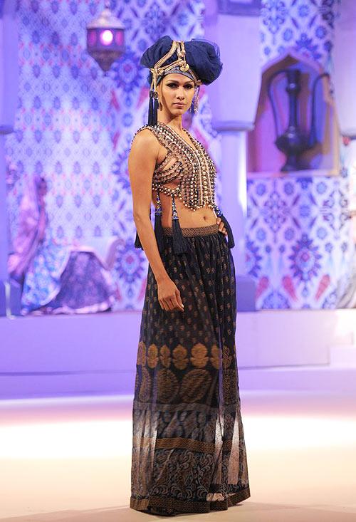 Nethra Raghuraman for Suneet Varma