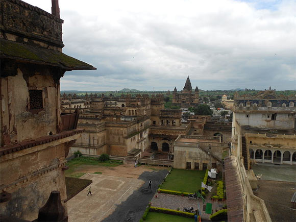 Chaturbhuj Temple and Raja Mahal, Orchha
