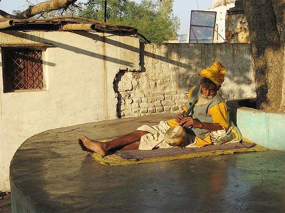A sadhu in Orchha