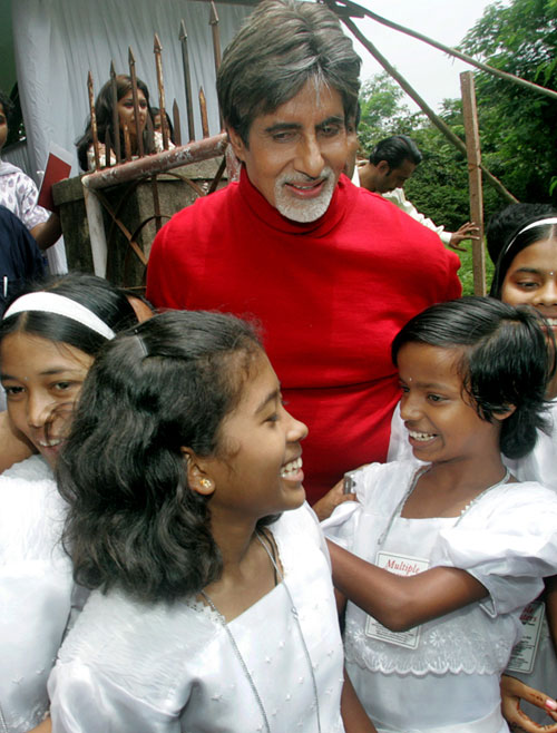 The Bollywood star interacts with orphans from the tsunami-affected Andaman and Nicobar islands in Mumbai