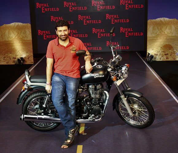 IN PICS: Royal Enfield launches the Thunderbird 500