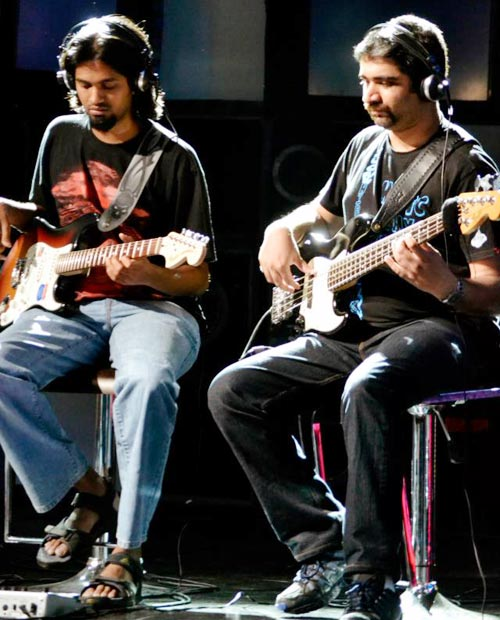 Guitarists Praveen Kumar and Vignesh Lakshminarayanan feature a performance on MTV Coke Studio