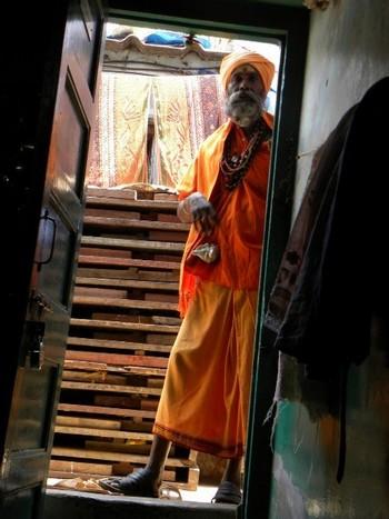 Sadhu at the door, Mumbai