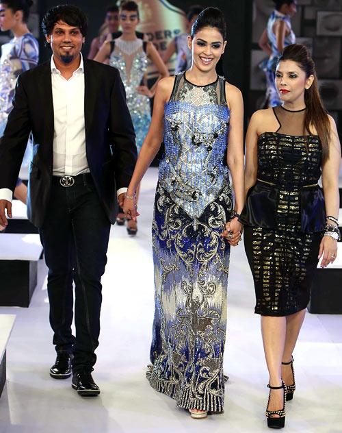 Shane Peacock, Genelia D'Souza and Falguni Peacock