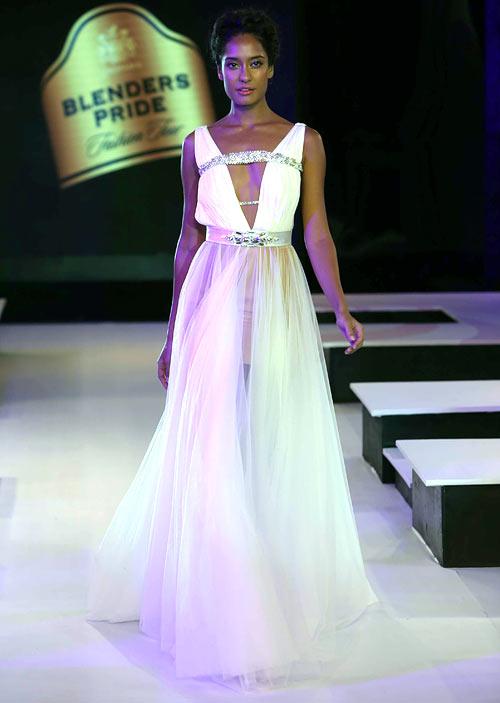 Lisa Haydon for Gaviin Miguel