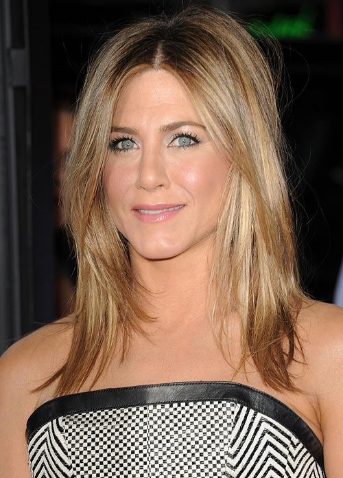 Jennifer Aniston is said to use facial contouring