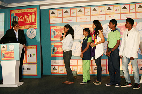 Shobhaa De (third from right) looks on as students of Parikrama address Amitabh Bachchan