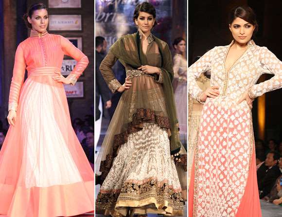 (L-R) Deepti Gujral, Anjali Lavania and Parvathy Omanakuttan for Manish Malhotra