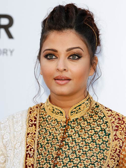 If you fancy Aishwarya Rai Bachchan's beautiful skin, avoid alcohol-based astringents and toners