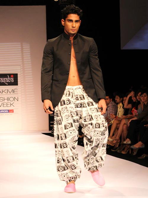 Bollywood actor Prateik showstopping for a Masaba Gupta creation