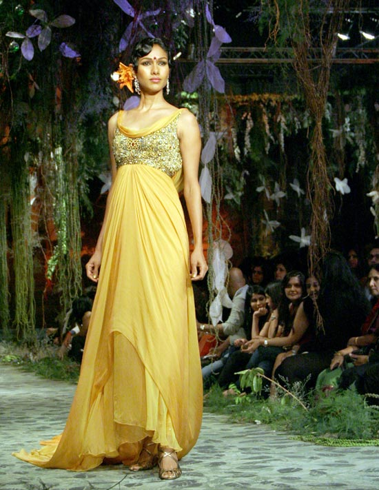 Nethra Raghuraman for Tarun Tahiliani