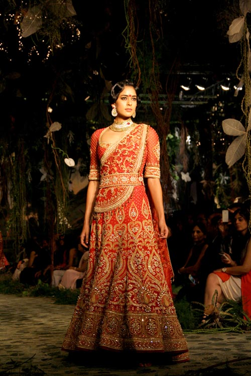 Diva Dhawan for Tarun Tahiliani