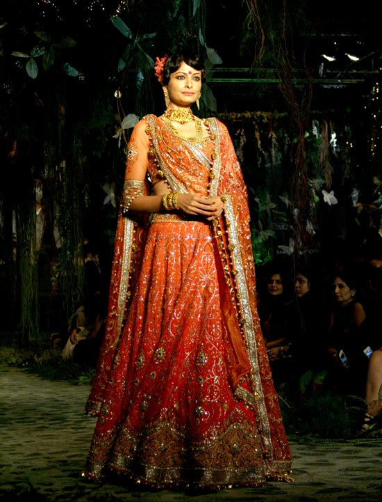 Shonal Rawat for Tarun Tahiliani