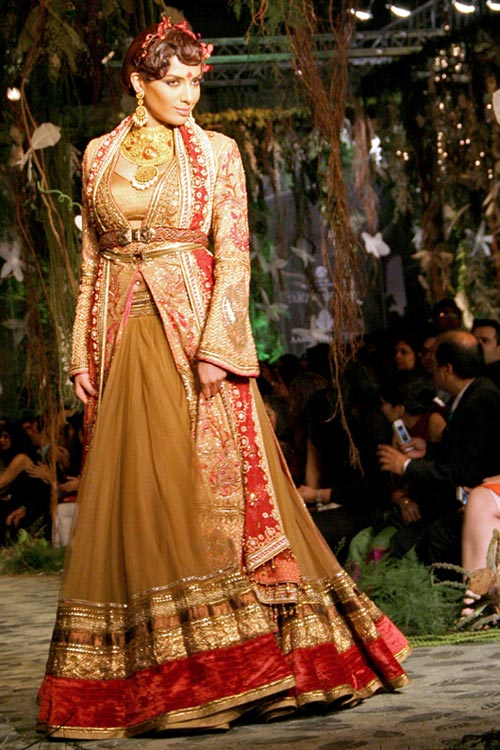 Diandra Soares for Tarun Tahiliani