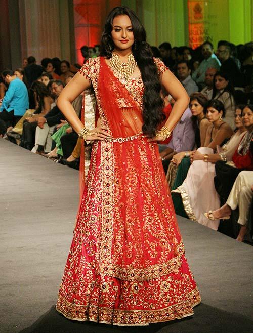 Sonakshi Sinha for Jyotsna Tiwari