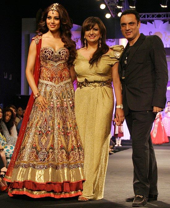 Bipasha Basu, Anjalee and Arjun Kapoor