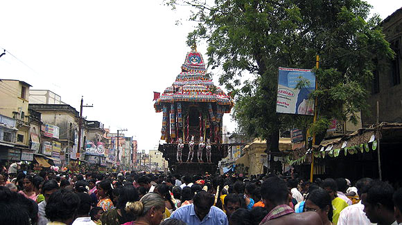 TherTiruvizha (a chariot festival) at Madurai is a part of Chitirai Tiruvizha
