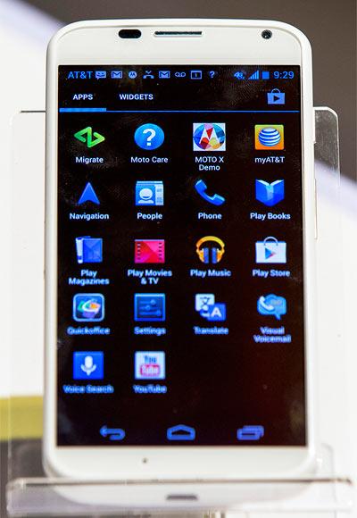 Can Motorola Moto X threaten Samsung?