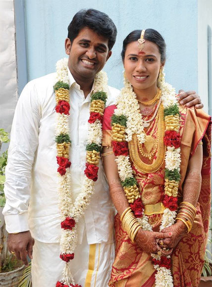 Karthikeyan with his wife Girisha