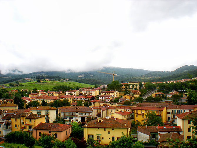 Cluster of red-brown roofs of Greve