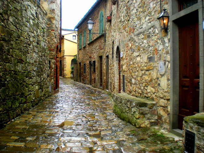 The cobbled streets of Montefioralle