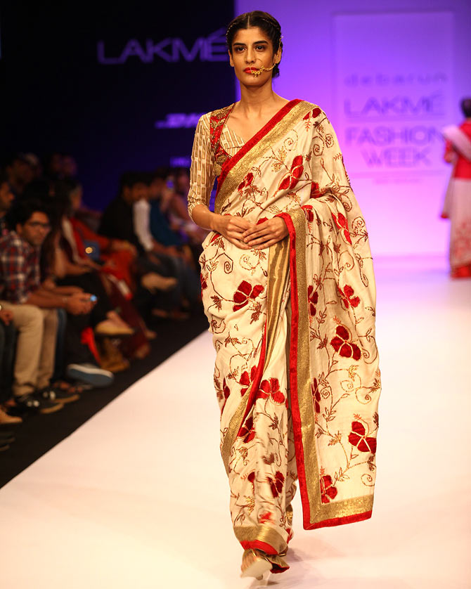 bb5c018dec Photos  Glitz and glamour on the runway - Rediff Getahead