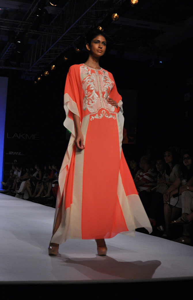 Reha Sukheja in a peach flowy number by Ranna Gill