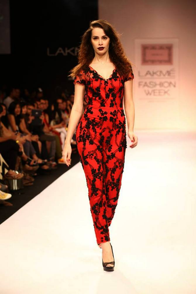 A model showcases a Shehlaa Khan creation.
