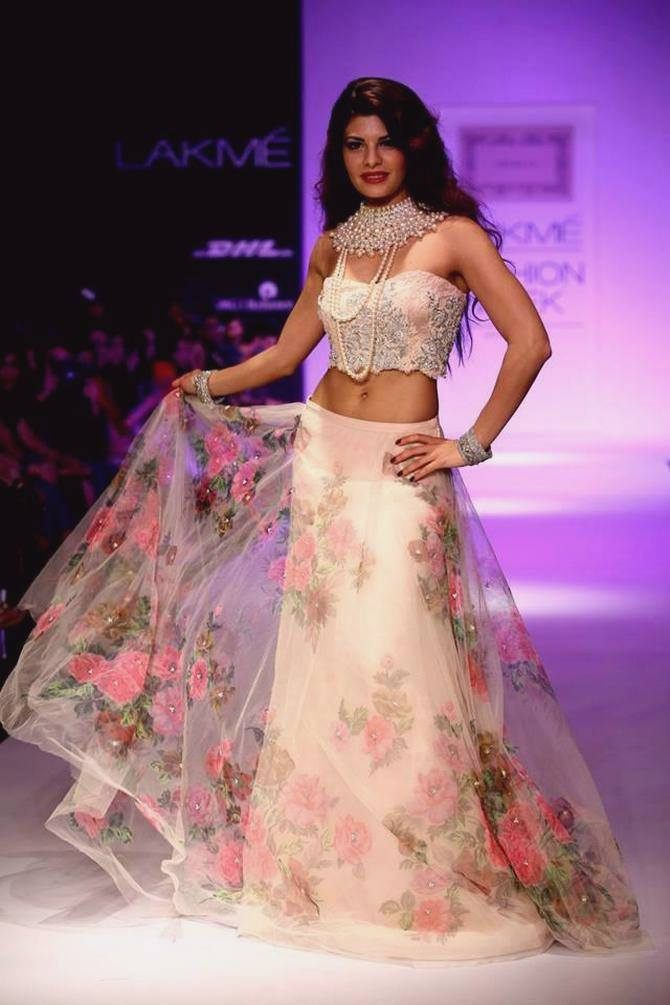 Jacqueline Fernandez showcases a Shehlaa Khan creation.