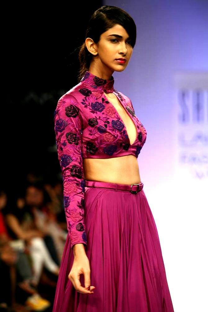 A model showcases a Sailex