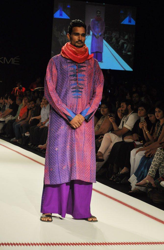 A model showcases a Krishna Mehta creation.
