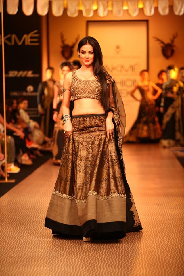 Sonal Chauhan for Shantanu Goenka