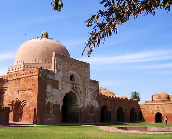 Babur built the Kabuli Bagh mosque (seen above) after defeating Ibraham Lodi in the first battle of Panipat.