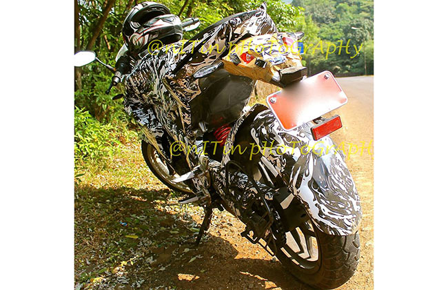 Spy shot of Bajaj Pulsar 375