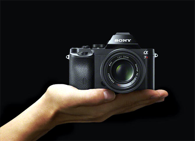 What's so great about this mirrorless camera!