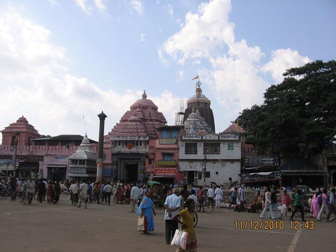 Aruna Sthambh