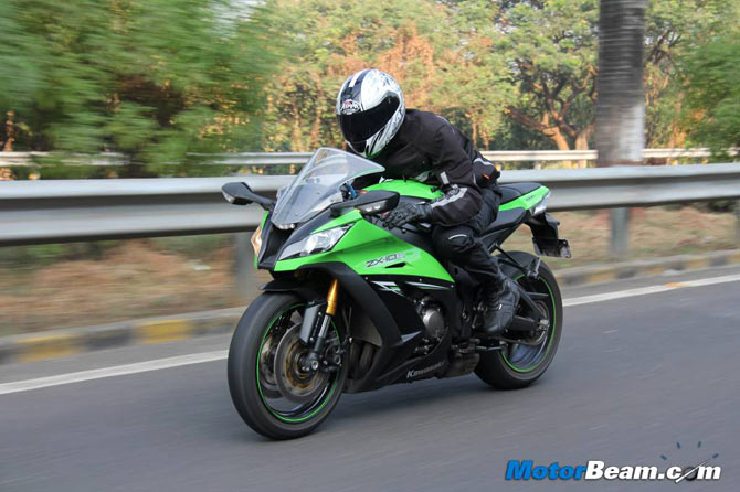 Ninja ZX-10R: From 0-299 km/hr in 18 seconds