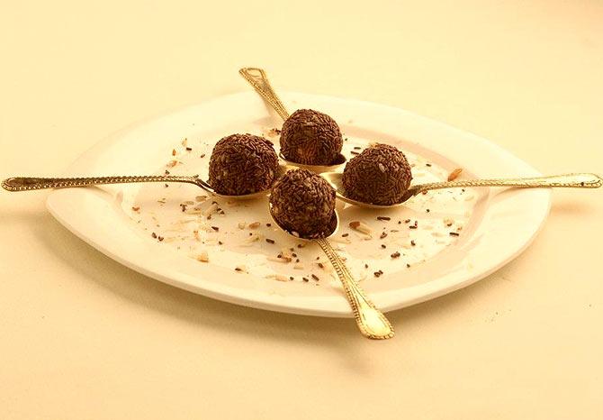 Choconut Ladoo
