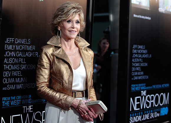 Jane Fonda poses at the premiere of the HBO television series