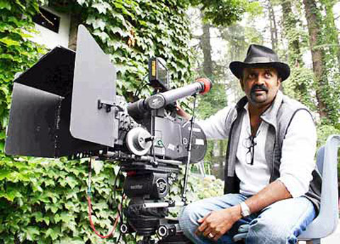 Chandran won the Filmfare award for best cinematography for Kannathil Muthamittal